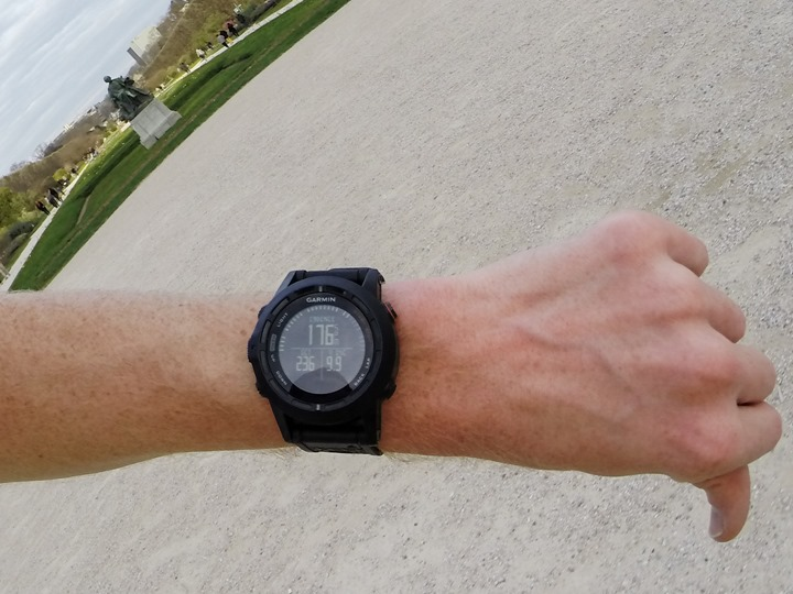 Garmin Fenix2 while running with Running Dynamics