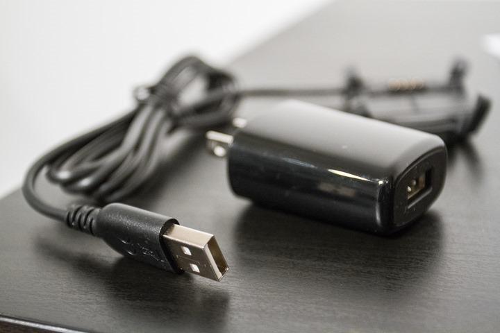 Fenix3-Unboxing-USBAdapter