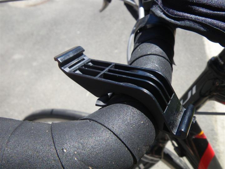 Garmin 305 Quick Release Kit on Bike