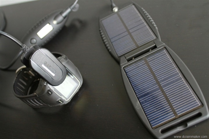 Garmin FR910XT getting charged via solar pack