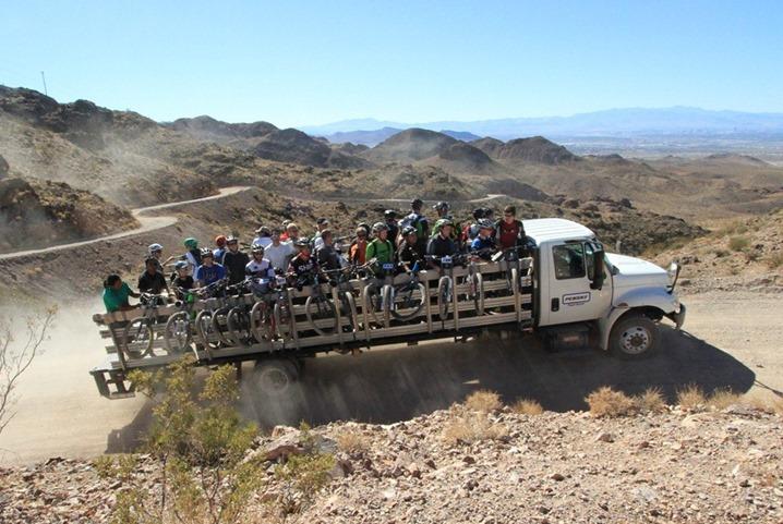 braving-the-mountain-ledge-bike-businterbike-style-17