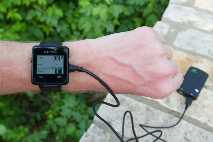 Garmin-Vivoactive-Charging-Block