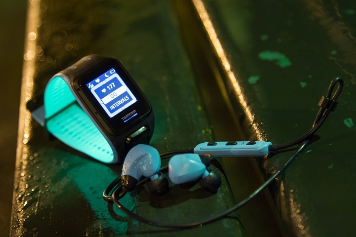 TomTom-Spark-Headphones-In-Rain-At-Night