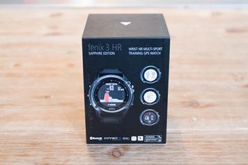Garmin-Fenix3HR-Box-Back