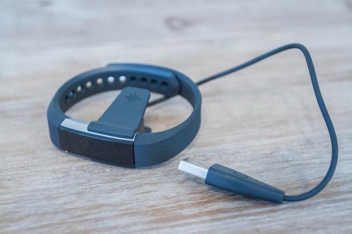 Fitbit-Alta-Charging-Clip