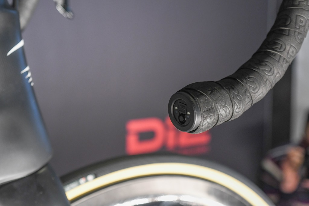 First Look: Shimano Dura-Ace R9100–Now with power meter