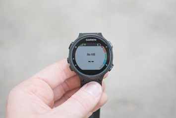Garmin-FR735XT-OpticalHR-Waiting