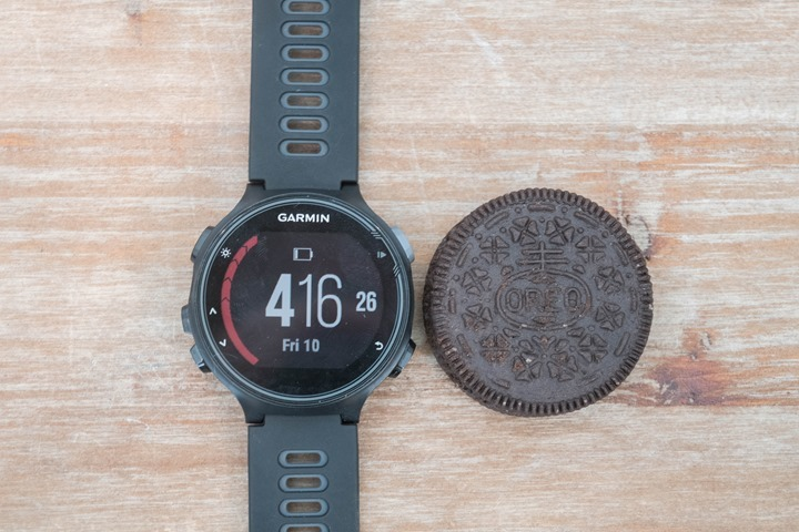 Garmin-FR735XT-Size-Oreo-Side
