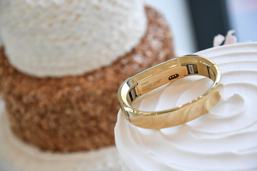 22k Gold Wedding Band 84 Ideal  is receiving some