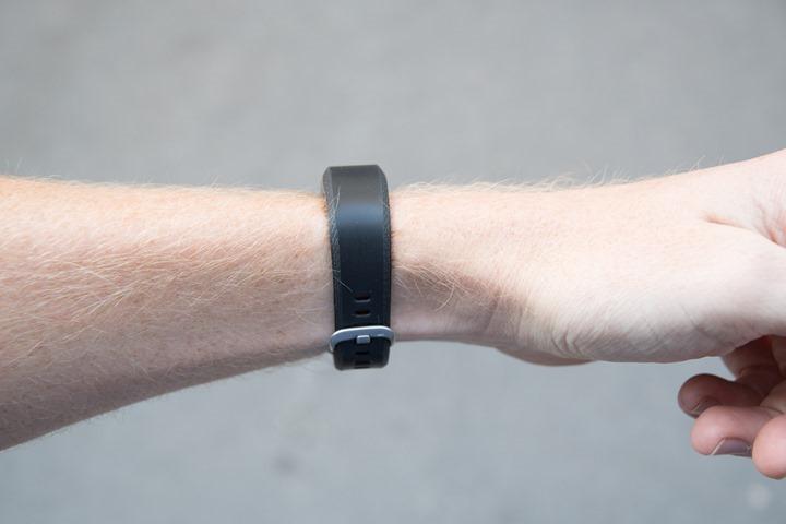 Garmin-Vivosmart3-Wrist-Gestures