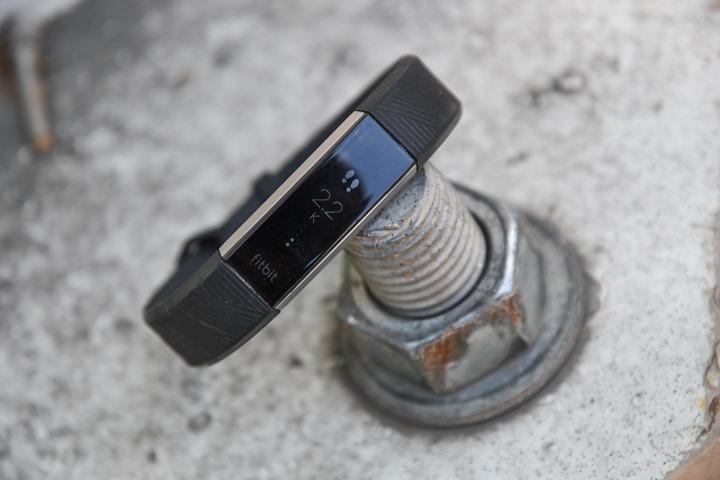 Fitbit-Alta-HR-Main