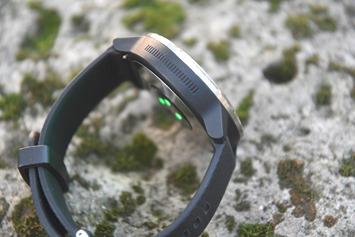 Garmin-Vivoactive-Touch-Swipe
