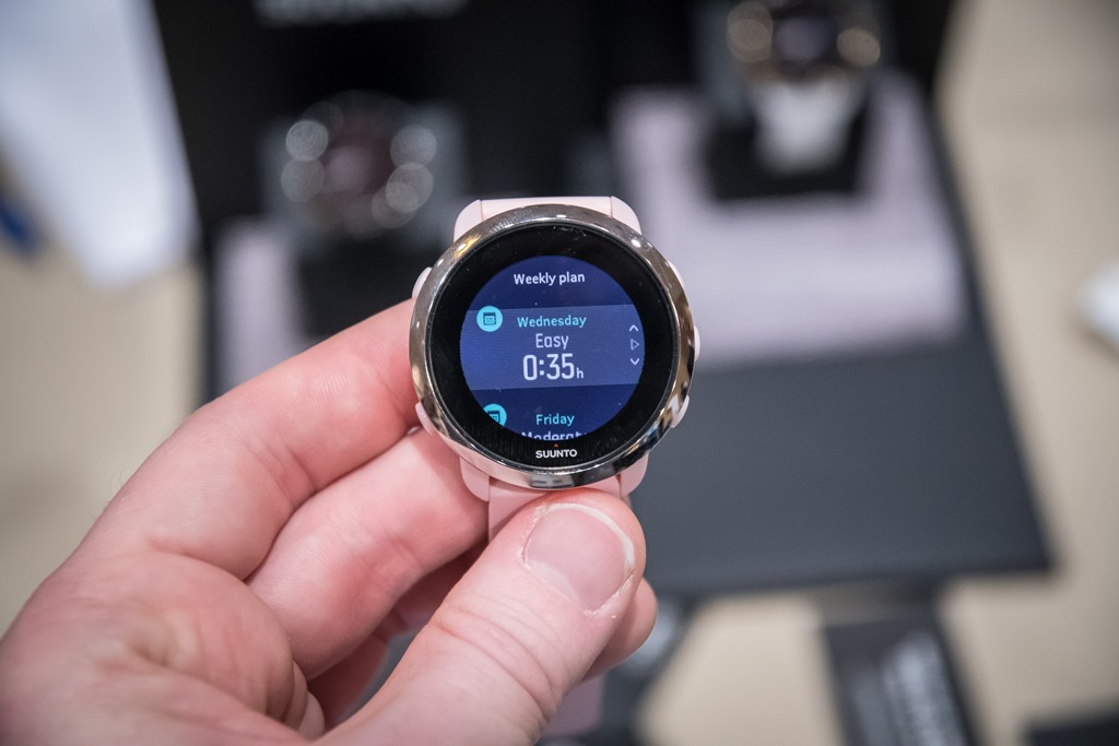First Look: The Suunto 3 Fitness: Lightweight Non-GPS Sports