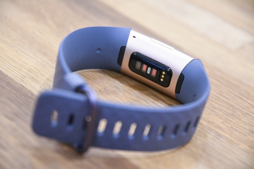 First Look: Fitbit Charge 3 Activity Tracker with SpO2 Sensor