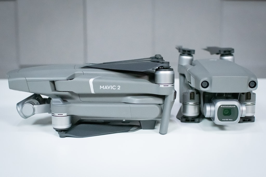 7f5bfc9dcf4 ... understand about the DJI Mavic 2 is that it's basically one aircraft  with two dramatically different camera configurations. There's the Pro and  the Zoom ...