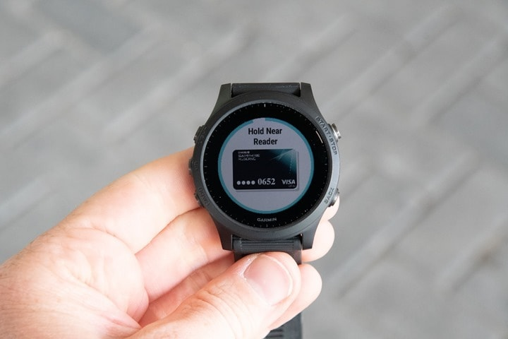 Garmin-Pay-Forerunner945-Reader