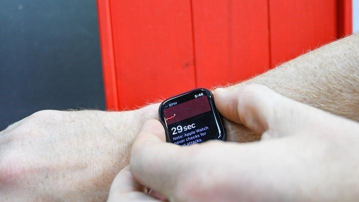 Apple-Watch-Series-5-ECG-Start