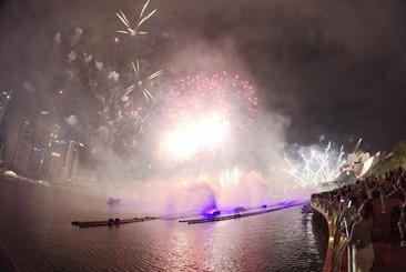 Insta360-Fireworks2