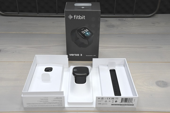 Fitbit-Versa-3-Box-Inside