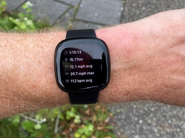 Fitbit-Versa3-RunningEnd3