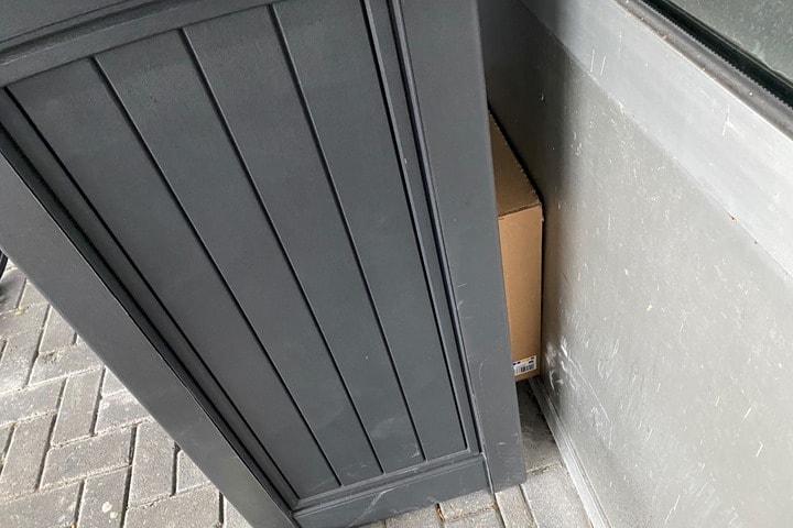 BehindBox