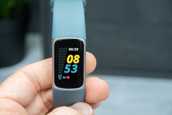 Fitbit-Charge5-HeartRate-Dashboard